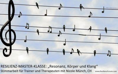 """Resilienz-Master-Klasse """"Resonanz, Körper und Klang – Stimmarbeit mit Nicole Münch"""